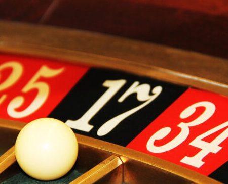 Bagaimana Baiknya Para Penjudi Bersikap Saat Bermain Roulette Online?