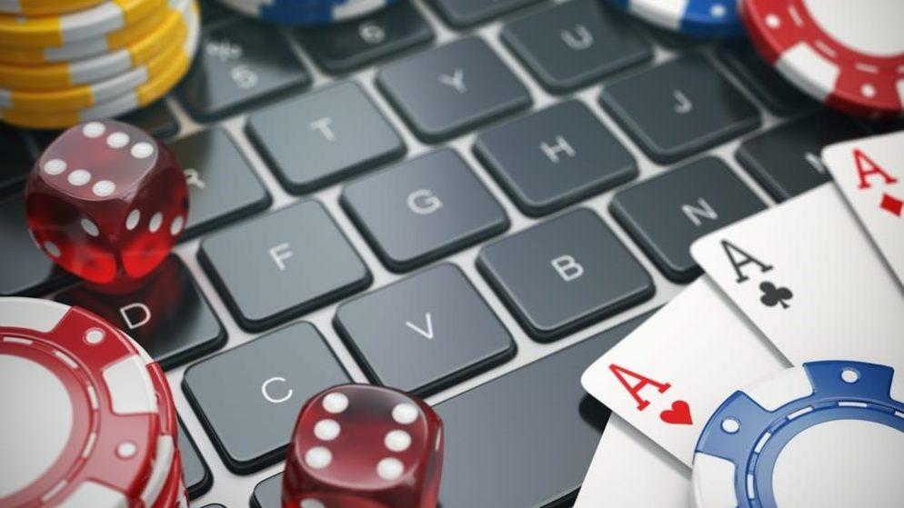 Online Casino Versi Mobile VS Desktop – Yang Mana Lebih Disukai?
