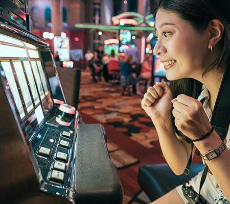 Pemain Judi Asia-Amerika Lebih Menyukai Bermain Casino Darat dibanding Online. Mengapa?
